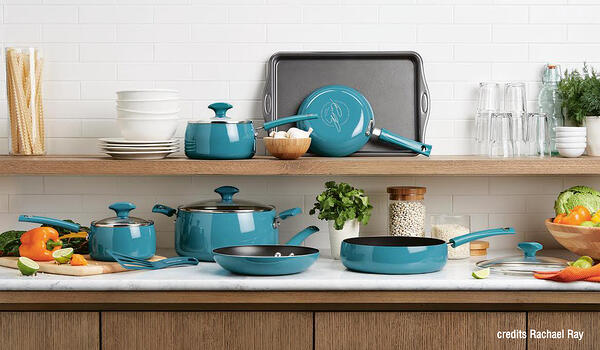 Cookware set of pot and pan with handle by la termoplastic fbm with rachael ray
